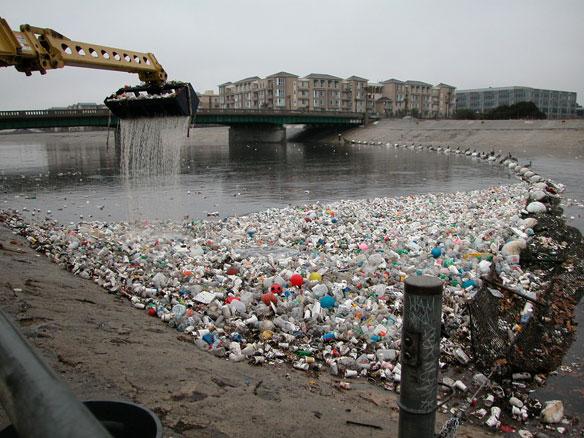 plastic-pollution-la